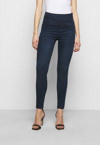 Patrizia Pepe - PANTALONI TROUSERS - Jeans Skinny Fit - washed dark blue - 0