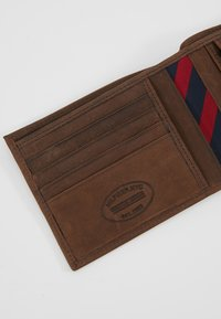 Tommy Hilfiger - JOHNSON - Wallet - brown - 2