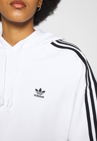 adidas Originals - SHORT HOODIE - Hoodie - white - 7