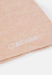 Calvin Klein - BEANIE - Muts - pink - 2