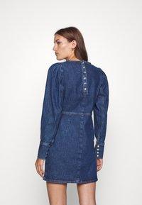 Cras - FANNYCRAS DRESS - Denim dress - denim light blue - 2