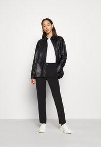 Gina Tricot - ANNIE - Button-down blouse - black - 1