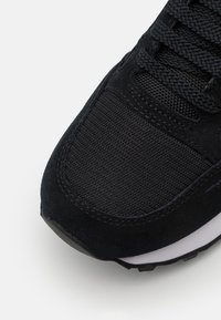 Armani Exchange - Trainers - black - 5