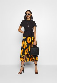 Who What Wear - THE WRAP MIDI SKIRT - A-line skirt - black - 1