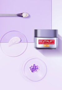 L'Oréal Paris Skin - REVITALIFT FILLER ANTI-AGE DAY CREAM SPF50 - Anti-Aging - - - 3