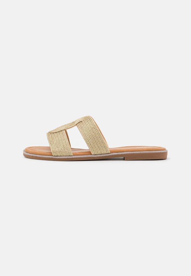 Pantofle - gold