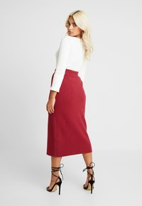4th & Reckless Petite - MIA RECKLESS MIDI SKIRT WITH SPLIT - Jupe crayon - rust - 3