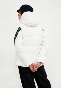 Finn Flare - Down jacket - white - 2
