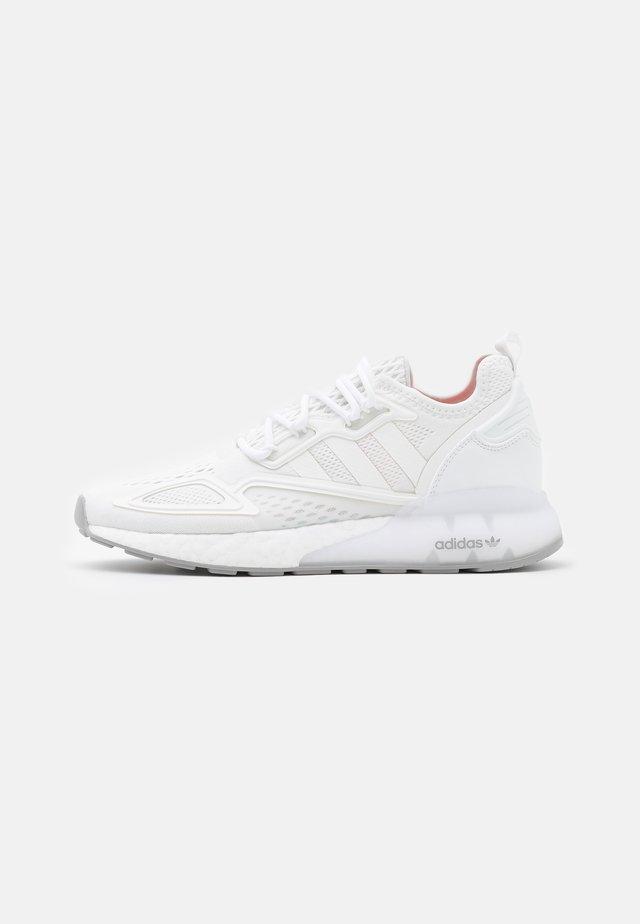 ZX 2K BOOST UNISEX - Zapatillas - footwear white/grey two