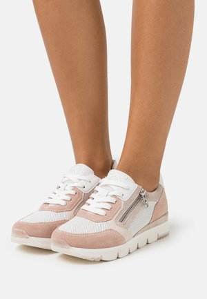 BY GUIDO MARIA KRETSCHMER - Trainers - white/rose