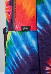 Herschel - SETTLEMENT - Ryggsekk - rainbow tie dye - 2