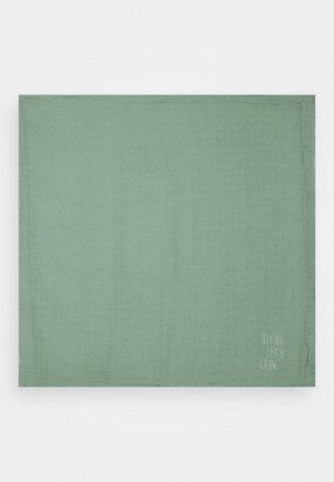 HEAVENLY SOFT BLANKET GARDEN EXPLORER BOYS - Muslin blanket - green