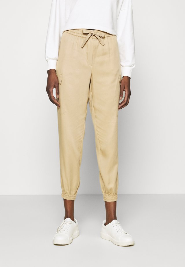 ANKLE DETAIL PANT - Trousers - travertine