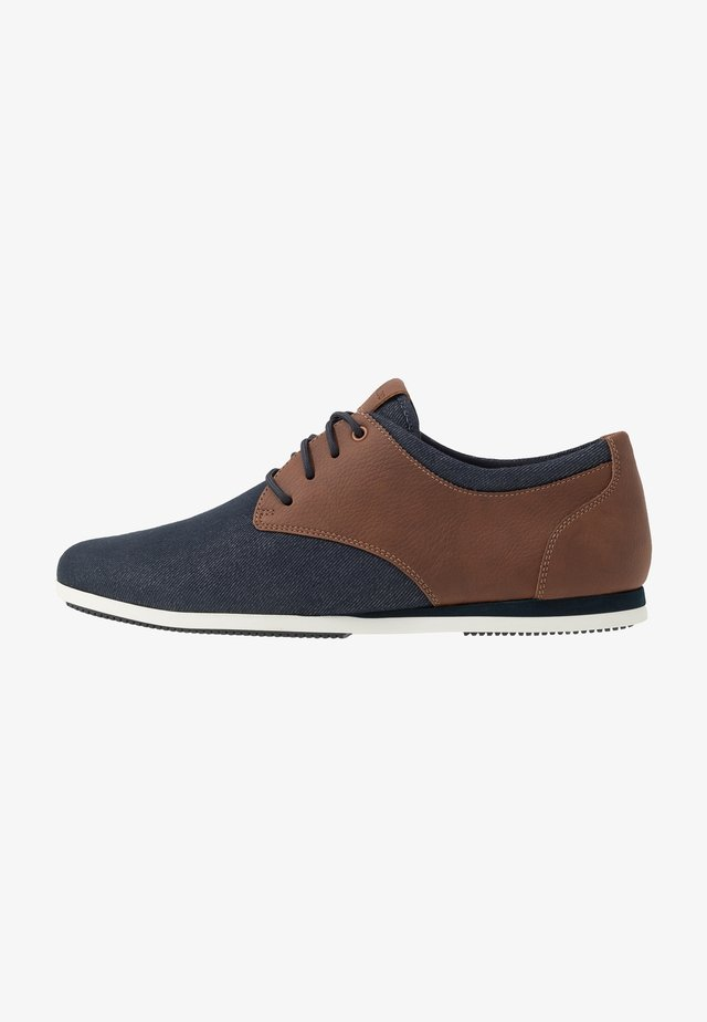 AAUWEN - Chaussures à lacets - navy