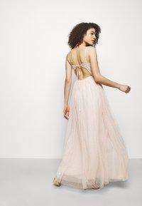Needle & Thread - EMMA DITSY BODICE CAMI MAXI DRESS - Společenské šaty - strawberry icing - 2