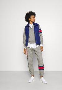 Polo Ralph Lauren - PANT ANKLE ATHLETIC - Spodnie treningowe - dark vintage heather - 1