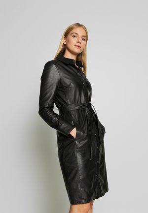 INDIANA - Sukienka koszulowa - black