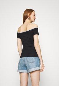 Calvin Klein Jeans - LOGO TRIM BARDOT - Print T-shirt - black - 2