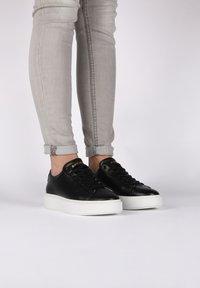 Blackstone - Sneakers - black - 1
