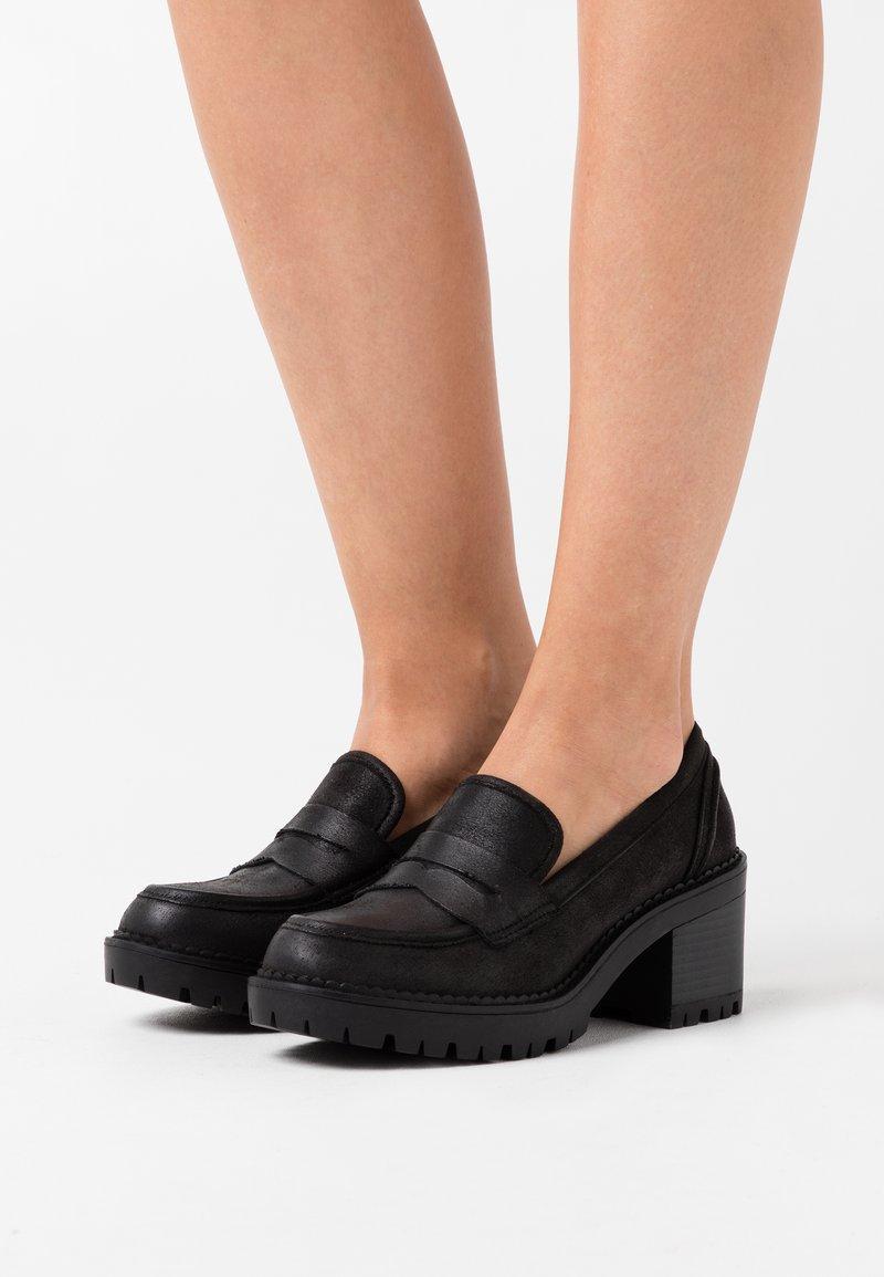 mtng - GLAM - Platform heels - karma
