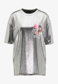 myMo at night - Print T-shirt - silber - 4