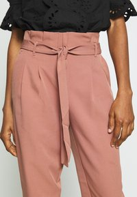 New Look - MILLER PAPERBAG TROUSER - Chinosy - mid pink - 3