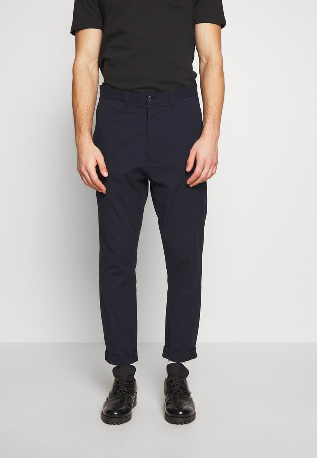 KRIS SUIT PANT - Bukse - dark blue