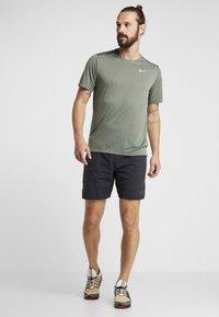 Nike Performance - DRY COOL MILER - T-paita - juniper fog/heather/jade horizon/reflective silver - 1
