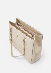 Valentino Bags - DIVINA - Håndveske - off white - 2