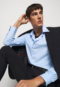 PS Paul Smith - MENS TAILORED FIT - Formal shirt - blue - 3
