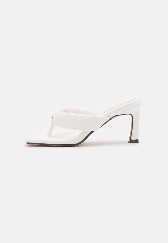 ADRIANE MULE - Japonki - white