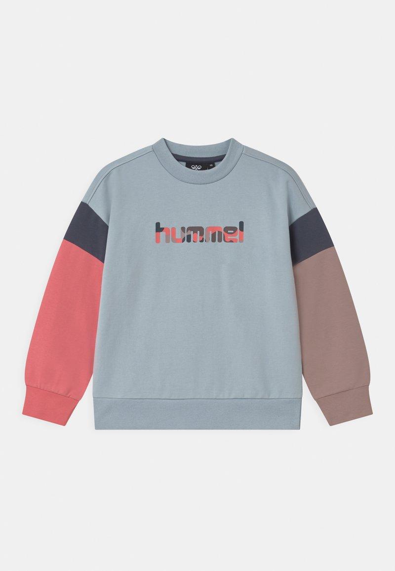 Hummel - URSULA UNISEX - Sweatshirt - blue fog