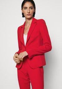 Patrizia Pepe - HIGH FIT - Blazer - red - 3