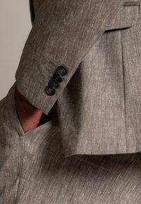 WORMLAND - Suit jacket - taupe - 4