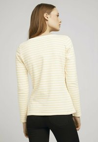 TOM TAILOR DENIM - CONTRAST NECK - Long sleeved top - white yellow stripe - 2