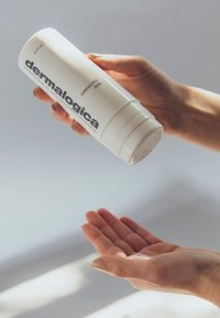 Dermalogica - DAILY MICROFOLIANT®  - Face scrub - - - 2