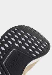 adidas Originals - NMD_R1 SHOES - Sneakers laag - beige - 8