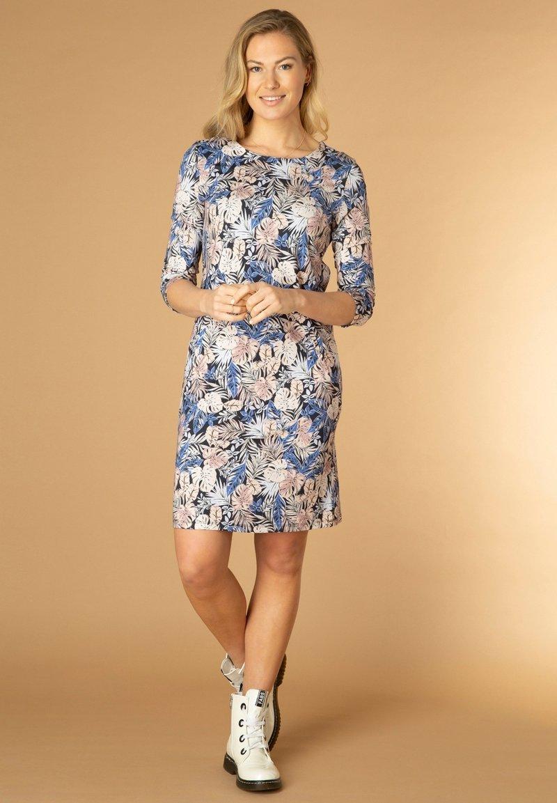 Ivy Beau - RYANNE - Day dress - maya blue/multi-colo