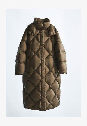 Winter coat - ochre