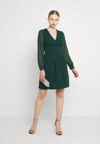 WAL G. - BELLA SLEEVE SKATER DRESS - Cocktail dress / Party dress - emerald green - 1