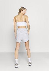Cotton On Body - LIFESTYLE ON YA BIKE SHORT - Sports shorts - grey marle - 2