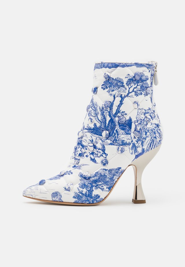 Classic ankle boots - light blue