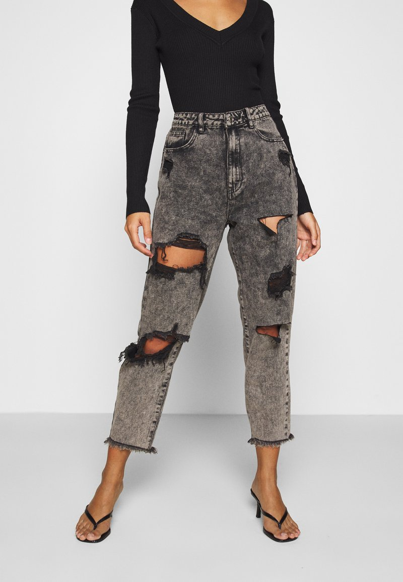 Missguided Petite - RIOT HIGH RISE RIPPED MOM AUTHENTIC - Jeansy Relaxed Fit - grey