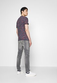 TOM TAILOR DENIM - TAPERED CONROY  - Jeans Tapered Fit - mid stone grey - 2