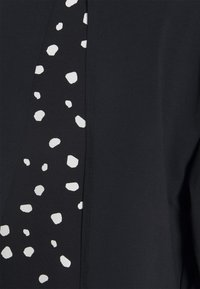 Mamalicious Curve - MLARIANNA DRESS  - Jersey dress - salute / snow white - 2