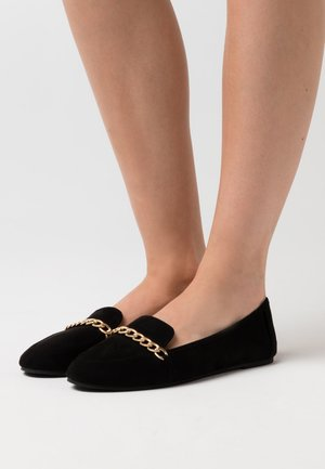 VEENA - Loafers - black