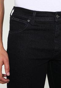 Wrangler - TEXAS STRETCH - Straight leg jeans - raven - 3