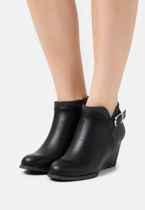 WIDE FIT WAGER - Wedge Ankle Boots - black