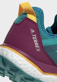 adidas Performance - TERREX AGRAVIC GORE-TEX BOOST TRAIL RUNNING - Løbesko trail - turquoise - 8