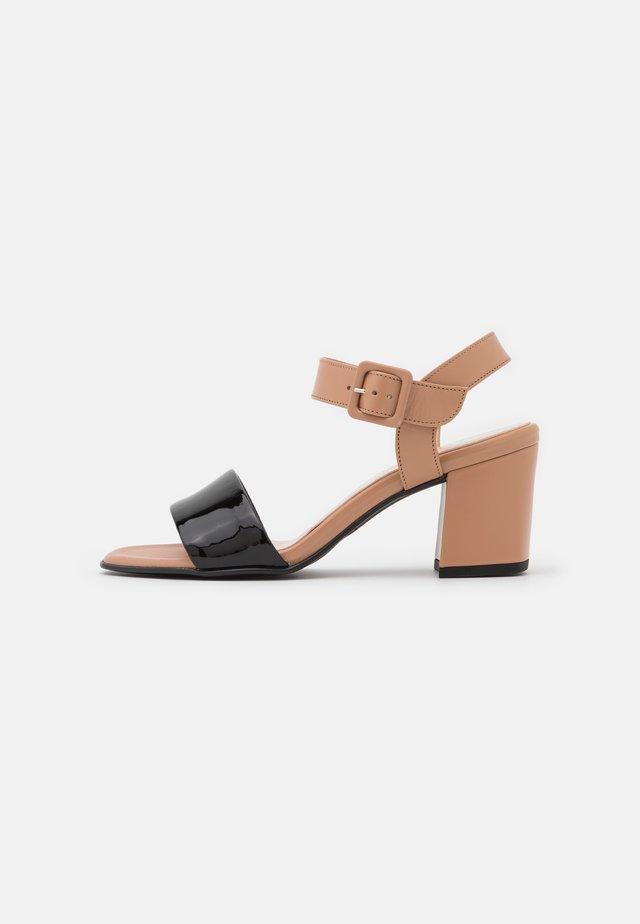 PEORIA - Sandalen - schwarz